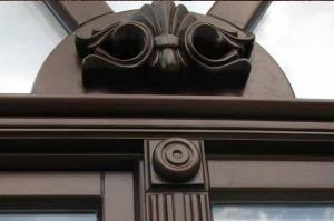 Вікно з ретро вставкою від виробника Модерн
